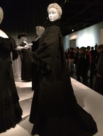 Mourning coat by the House of Worth circa 1907